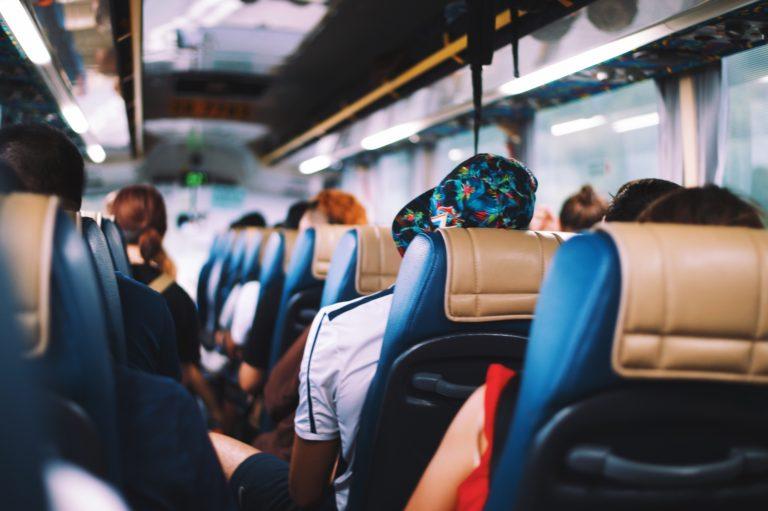 Gdzie wynajmiemy bardzo dobry bus na naszą wycieczkę?
